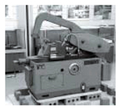 昭和38年発売当初高速弓鋸盤「C-220型」